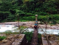 Wooden bridge to Annapurna base camp
